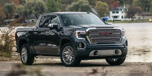 The 2019 GMC Sierra 1500 4WD Crew Cab Moves Out with a Big V-8
